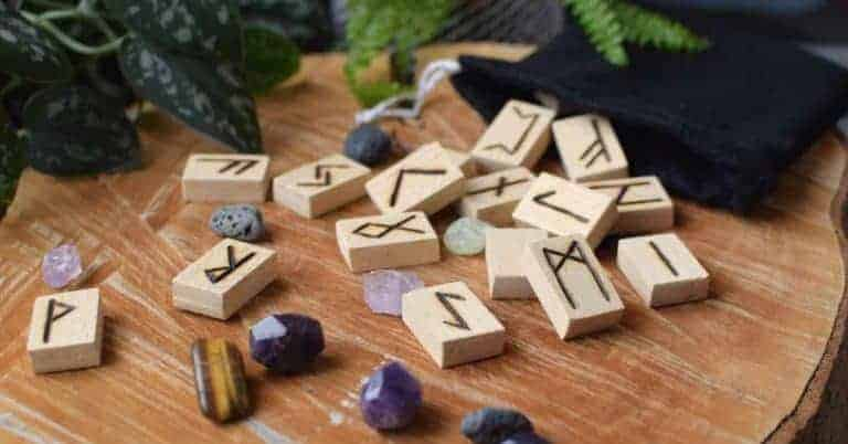 How to Make Your Own Runes Set